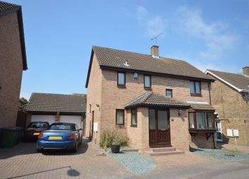Thumbnail 4 bed detached house to rent in Snowford Close, Luton