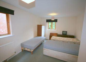 Thumbnail Room to rent in Bear Lane, Pinchbeck