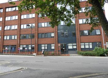 Thumbnail 1 bed flat to rent in Farnsby Street, Swindon, Wilts.