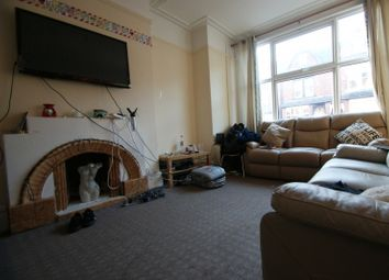 Thumbnail 6 bed terraced house to rent in Chestnut Avenue, Leeds, Hyde Park