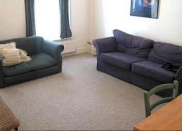 Thumbnail 1 bed flat to rent in Lakeside Road, London