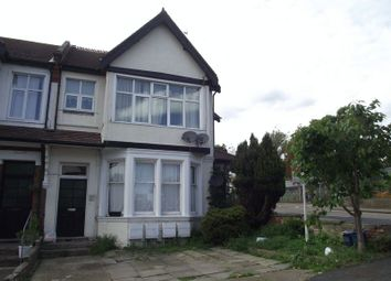 Thumbnail 2 bedroom flat for sale in Manor Road, Westcliff-On-Sea