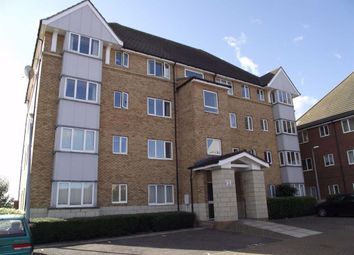 2 bed flat to rent in St Leonards Close, Grays, Essex RM17