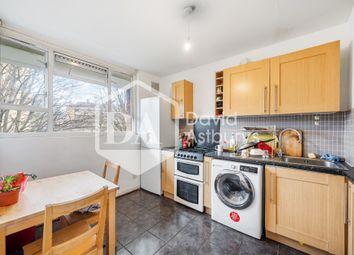 3 bed maisonette to rent in Grosvenor Avenue, Canonbury, London N5