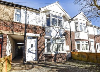 Thumbnail 3 bedroom flat for sale in Cricket Road, Oxford