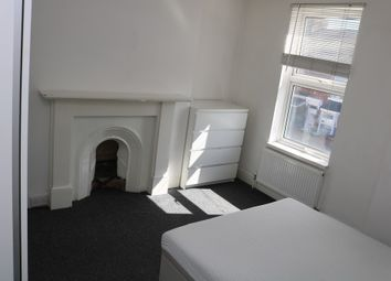 Thumbnail 5 bed shared accommodation to rent in Holland Road, Maidstone