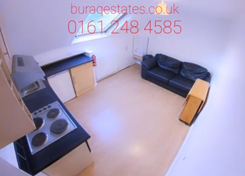 3 bed flat to rent in Birchfields Road, Manchester M13