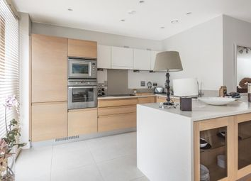 Thumbnail 2 bedroom flat to rent in Cliveden Gages, Taplow