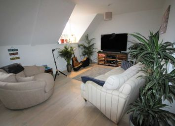 Thumbnail 2 bedroom flat to rent in High Street, Alton
