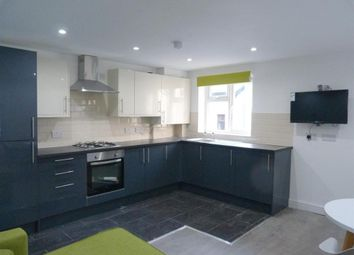 Thumbnail 3 bed triplex to rent in Alma Street, Stratford
