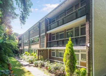 Thumbnail 2 bed flat to rent in Westhall Road, Warlingham