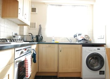 Thumbnail 3 bedroom flat to rent in Gee Street, London