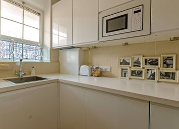 Thumbnail 2 bed flat to rent in Betts Street, Tower Hamlets, London