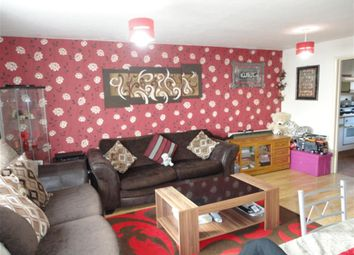 Thumbnail 1 bed flat for sale in Oatlands Drive, Slough, Berkshire