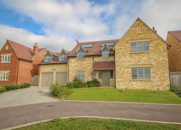 Thumbnail 5 bed detached house for sale in Hornsby Close, Shipston-On-Stour