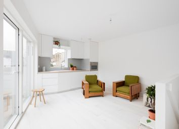 Thumbnail 1 bed detached house for sale in London