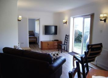 Thumbnail 1 bed flat to rent in Hazel Close, Marlow