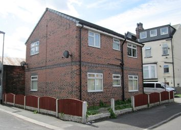 Thumbnail 2 bed flat to rent in Oxford Street, Wakefield