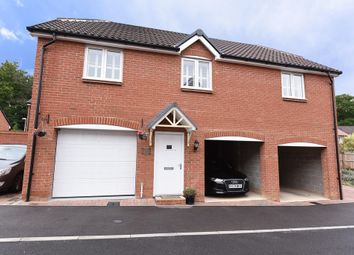Thumbnail 2 bed flat to rent in Hampshire Close, Wokingham