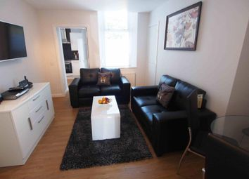2 bed flat to rent in Windsor Place, Ground Floor AB10