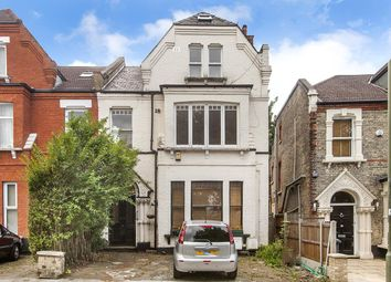 2 bed flat for sale in Station Road, London N3