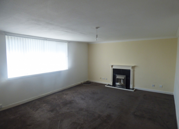 Thumbnail 3 bedroom flat to rent in Braehead Road Kildrum Cumbernauld, Cumbernauld