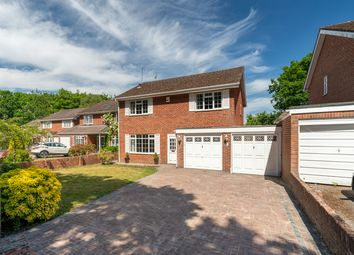 Park View, Hedge End, Southampton SO30. 4 bed detached house