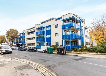 Thumbnail 2 bedroom flat for sale in York Avenue, Hove