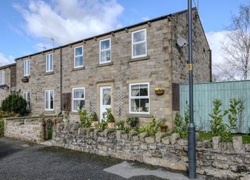 Thumbnail 2 bed flat for sale in Kendal Close, Hellifield