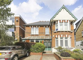 1 bed flat for sale in The Chiltons, Grove Hill, London E18