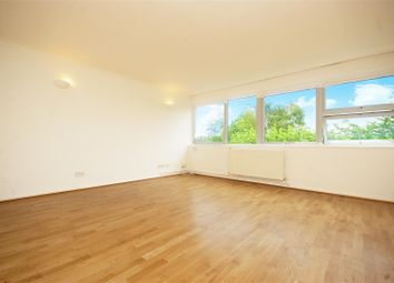 Thumbnail 2 bed flat to rent in Kings Paddock, Park Close, Hampton