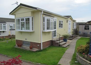 Thumbnail 2 Bed Mobile Park Home For Sale In Bluebell Woods Ref 5484