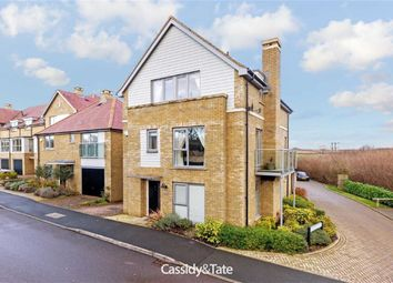 Thumbnail 5 bed detached house for sale in Kingcup Avenue, Leverstock Green, Hertfordshire