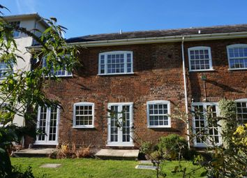 Thumbnail 1 bed flat to rent in Royal Court, Tring Station, Hertfordshire.