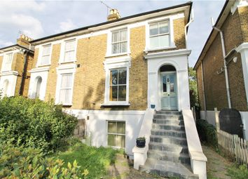 3 bed maisonette to rent in Cambridge Road North, Chiswick, London W4
