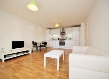 1 bed flat to rent in Hayward, Chatham Place, Reading, Berkshire RG1