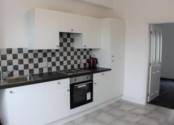 Thumbnail 2 bed flat to rent in Mid Beveridgewell, Dunfermline, Fife
