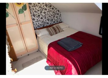 Thumbnail Room to rent in Mayflower Road, Park Street, St. Albans