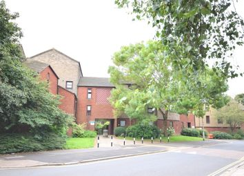 Thumbnail 2 bedroom flat for sale in Commercial Road, Exeter