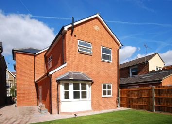 Thumbnail 2 bed flat to rent in Farnham Road, Guildford