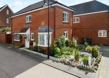 Thumbnail 3 bed detached house for sale in Gravelly Fields, Ashford
