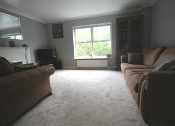 3 bed town house to let in Abbots Close