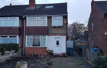 Thumbnail Commercial property for sale in 100 Auckland Avenue, Hull, East Yorkshire