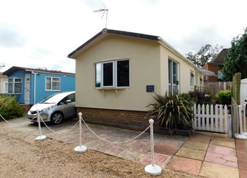 Thumbnail 2 bed mobile/park home for sale in Manygate Park, Shepperton