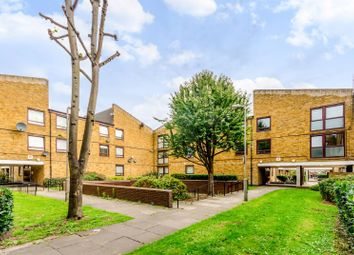 Thumbnail 4 bed flat to rent in Siward Road, Wimbledon