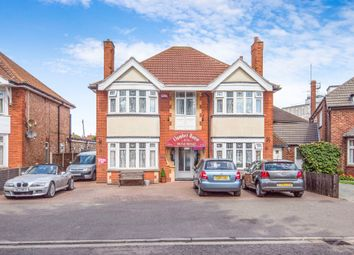 Thumbnail Hotel/guest house for sale in Castleton Boulevard, Skegness