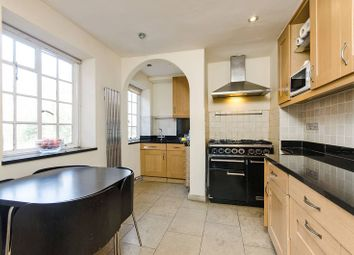 Thumbnail 2 bed flat to rent in Fitzjohns Avenue, Hampstead
