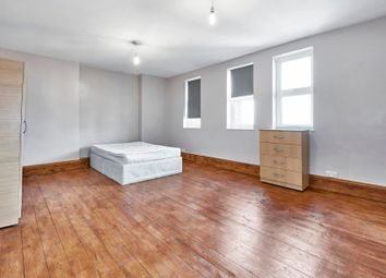 Thumbnail 3 bed flat to rent in Commercial Road, Aldgate East