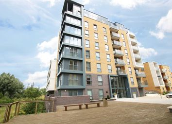 Thumbnail 1 bed flat to rent in Skylark House, Drake Way, Reading, Berkshire