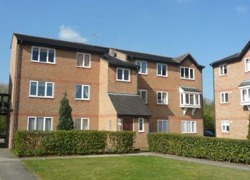 Thumbnail 2 bed flat to rent in Wedgewood Road, Hitchin
